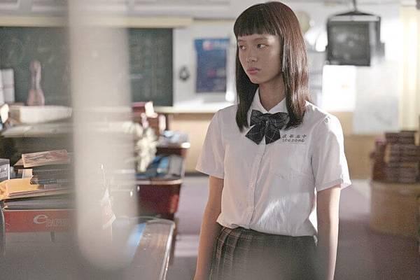 电影《哈啰少女》杀人不用刀的心机婊上演老少咸宜的宫斗戏 (5)