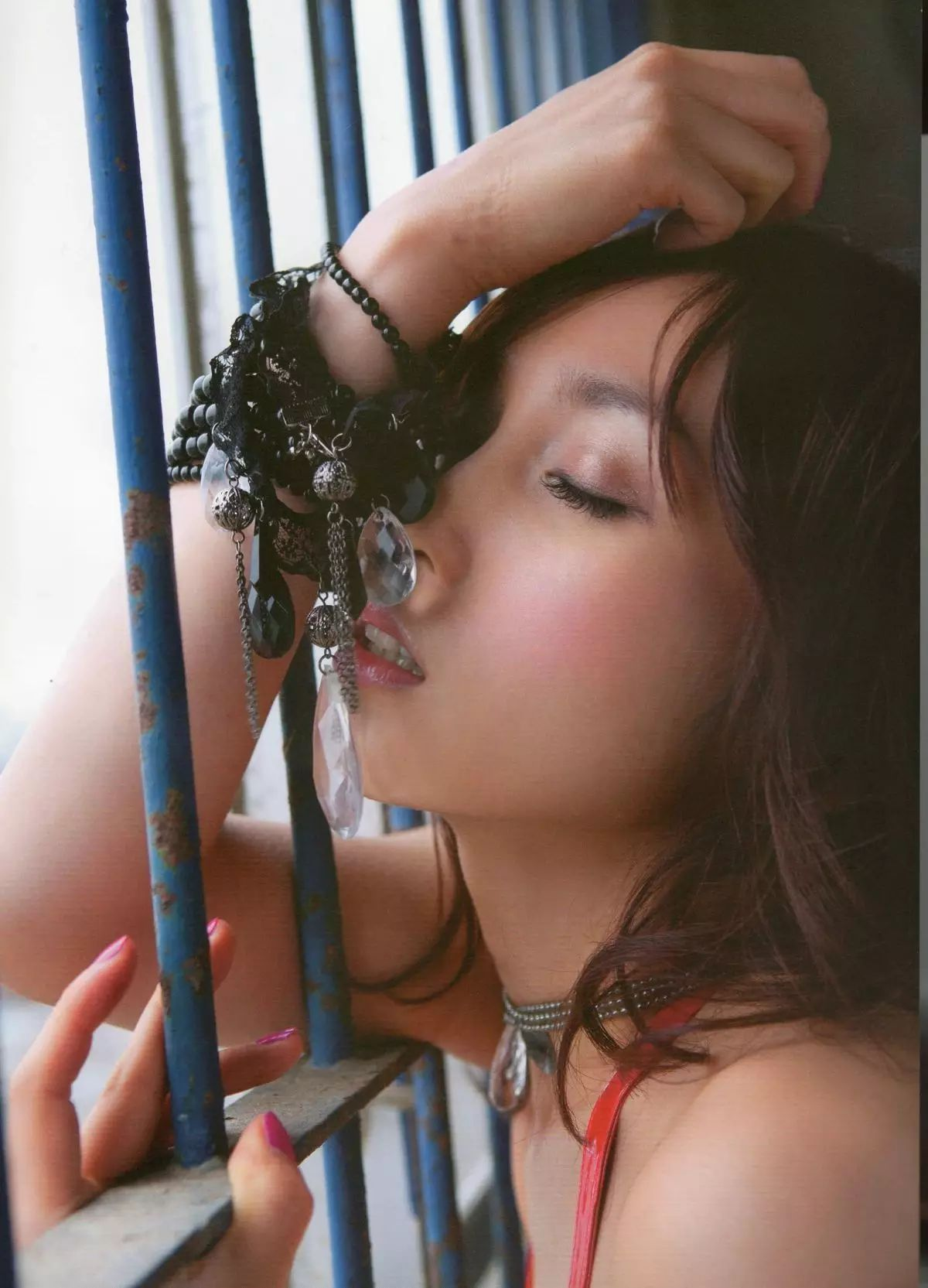 着装性感春光无限的吉木梨纱写真作品 (3)