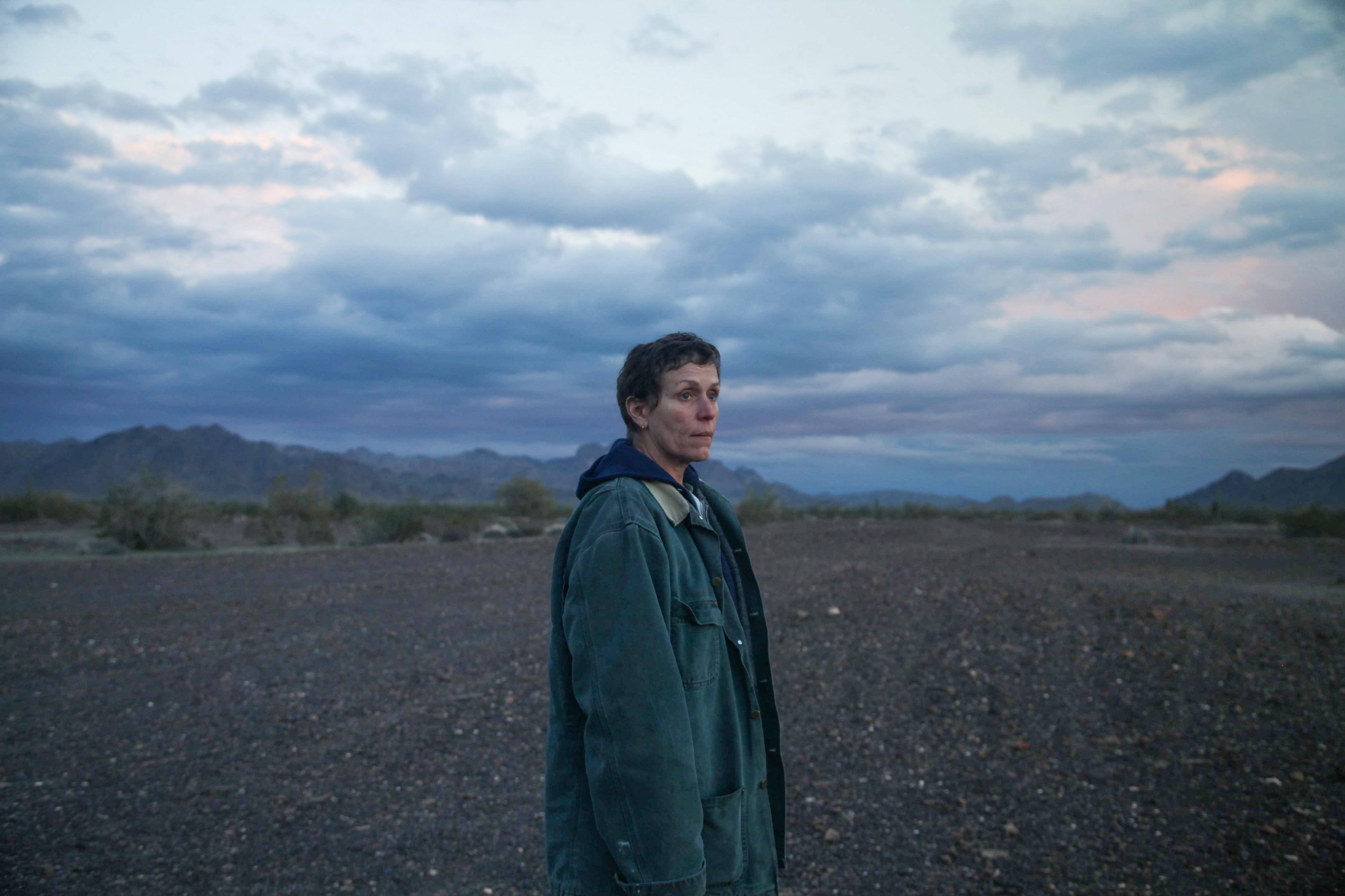 电影《游牧人生》是四海为家的旅行还是无家可归的流浪 (3)