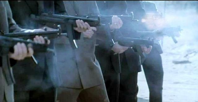 日本犯罪电影《大佬》讲述一个黑帮火拼猛龙过江已然是大佬的故事 (14)