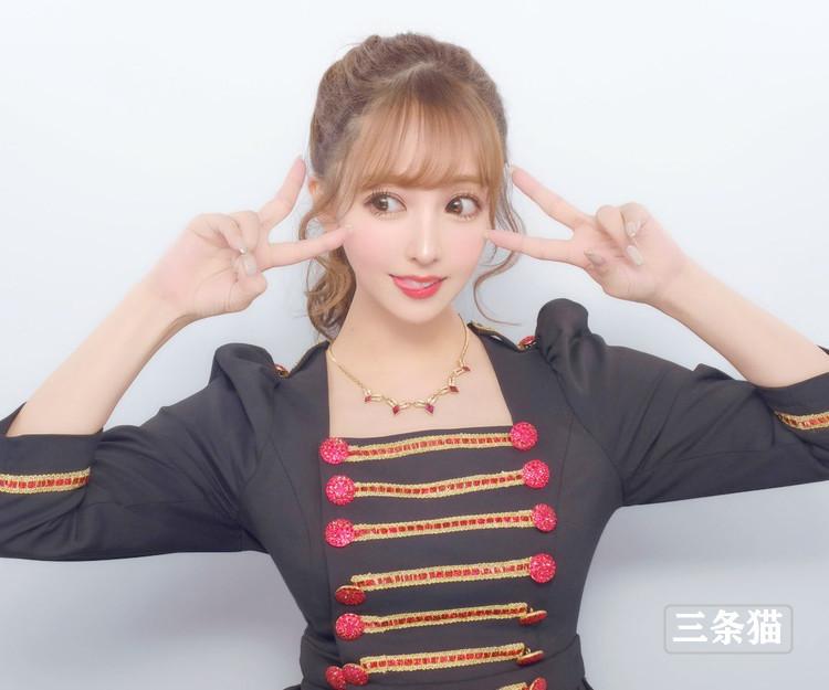 三上悠亜(鬼头桃菜,Mikami-Yua)女仆装展实力 养眼图片 第3张