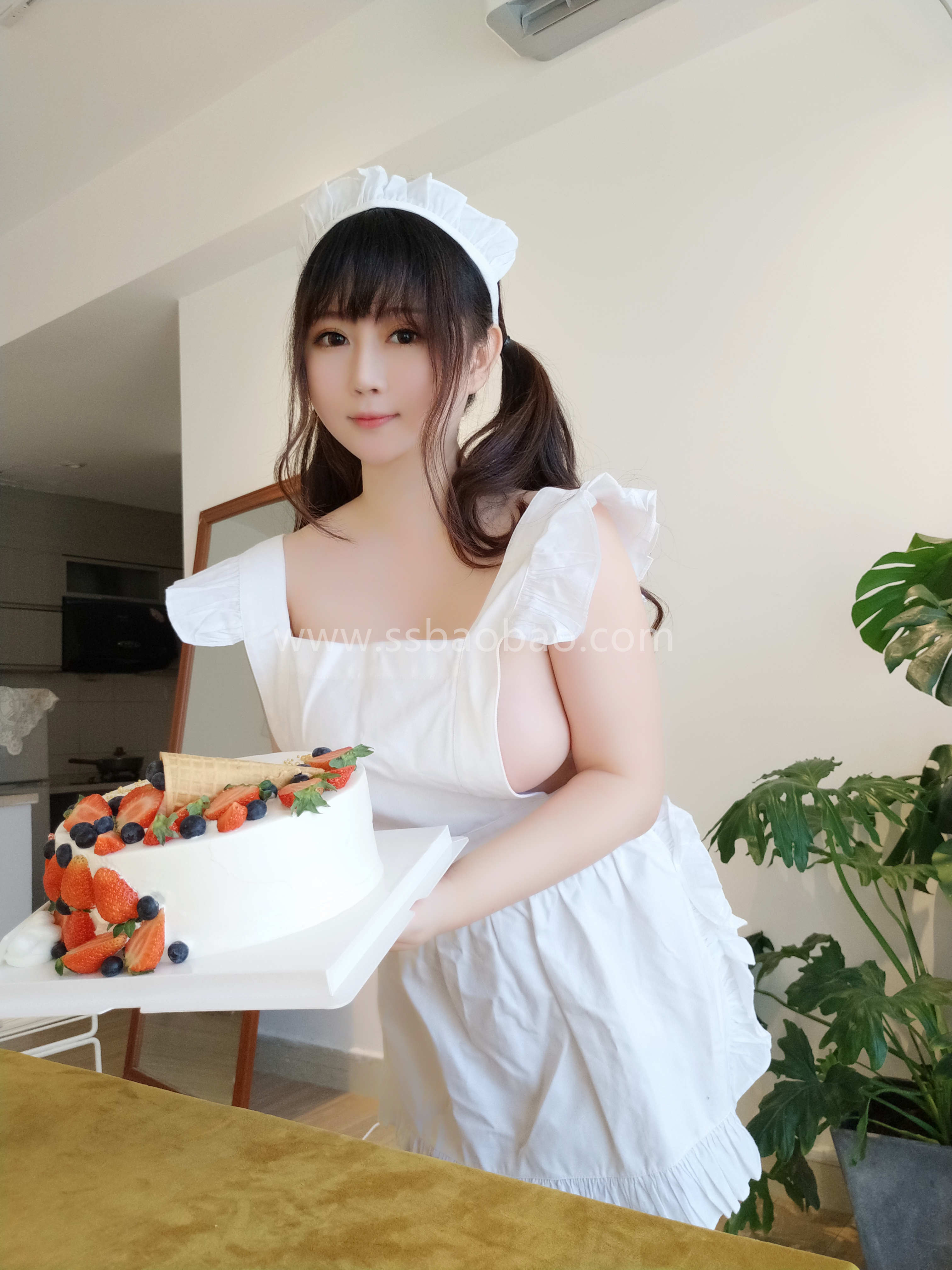 是依酱吖 NO.030 小厨娘[40P-88MB] (1)