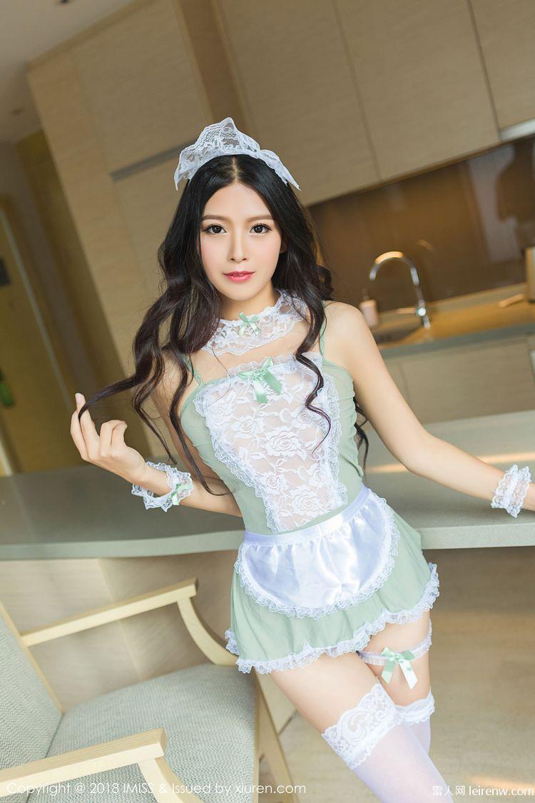 22歲美麗的女孩異常的蕾絲婚紗