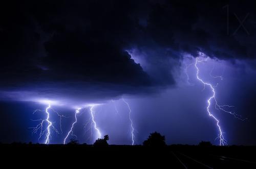 西澳大利亚,史诗般的闪电风暴