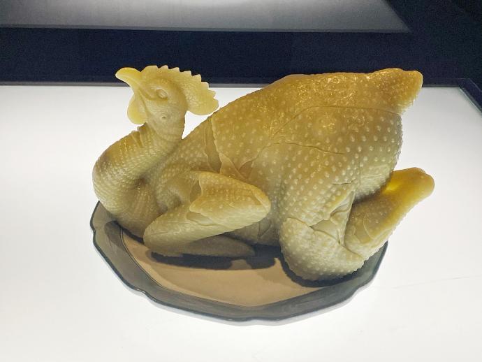 广东省博物馆的玉雕烧鸡