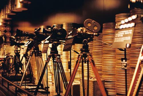 强烈建议各大电影院将这个片段放在电影开场前
